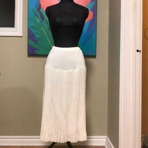 Dresses & Skirts - ❤️CLEARANCE/NWOT white vintage pleated skirt